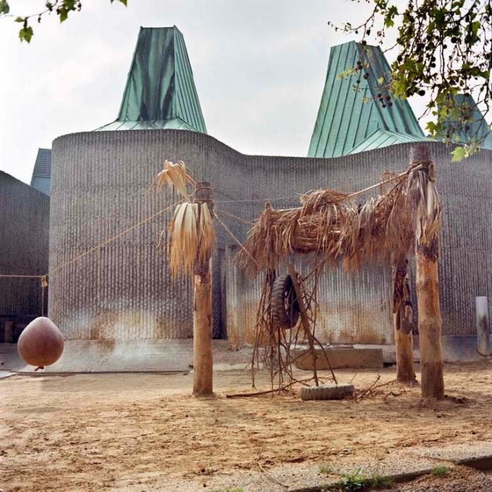 http://www.davidoshaughnessy.com/files/gimgs/th-8_Zoo 10 London LAB copy_v2.jpg